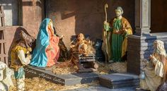 In Rome at Christmas? See this outdoor nativity scene until January Find out more. Italian Christmas Traditions, Outdoor Nativity Scene, Christmas In Italy, I Fall In Love, Places To Go, Traditional, Spanish, January, Rome Italy
