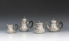 Tea set em prata Francesa do inicio do sec.20th, 1,960 USD / 1,770 EUROS / 6,200 REAIS / 13,050 CHINESE YUAN
