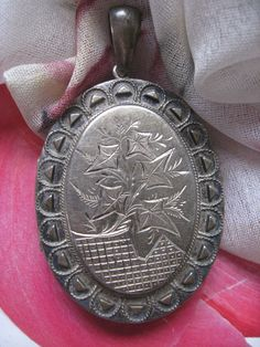 Antique Sterling Locket  Ivy Leaves