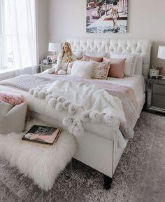 Pink bedroom decor - 91 cozy home decorating ideas for girls bedroom 81 Bedroom Themes, Bedroom Makeover, Bedroom Design, Cozy Home Decorating, Chic Bedroom, Cozy House, Pink Bedroom Decor, Bedroom Decor, Small Bedroom