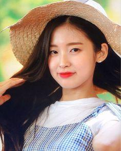 Kpop Girl Groups, Kpop Girls, Rapper, Arin Oh My Girl, Asian Kids, Who Runs The World, Asian Beauty, Cute Girls, Idol