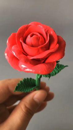 Fondant Flower Tutorial, Fondant Flowers, Fondant Rose, Rose Tutorial, Fondant Baby, Fondant Cakes, Polymer Clay Flowers, Polymer Clay Crafts, Diy Clay