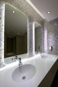 1000 images about hf bathroom dark on pinterest palazzo for Nightclub bathroom design