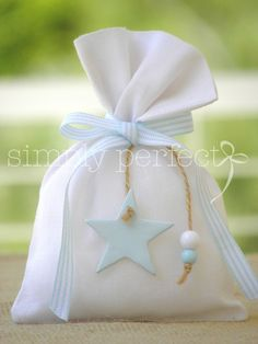 Baptism ideas for a boy Baby Favors, Baptism Favors, Baptism Ideas, Baby Baptism, Christening, Favor Bags, Gift Bags, Wrapping Ideas, Gift Wrapping