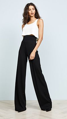 Palazzo Pants Outfit For Work. 14 Budget Palazzo Pant Outfits for Work You Should Try. Palazzo pants for fall casual and boho print. Classy Outfits, Casual Outfits, Look Fashion, Fashion Outfits, Woman Outfits, Runway Fashion, Fashion Trends, Professional Attire, Business Professional