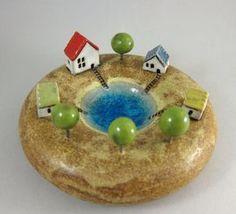 Trinket Dish / Votive holder in stoneware Clay Houses, Ceramic Houses, Ceramic Clay, Ceramic Pottery, Diy Clay, Clay Crafts, Pottery Houses, Pottery Handbuilding, Ceramic Flower Pots