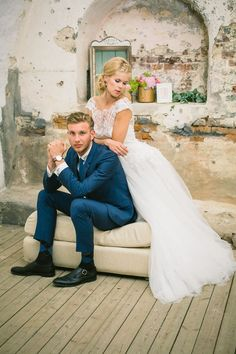 Trendy Bride and Groom Poses | bride and groom from norway