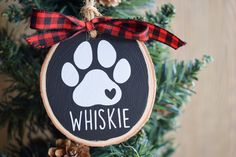 Gifts For Dog Owners, Dog Lover Gifts, Dog Lovers, Custom Christmas Ornaments, Ornaments Design, Wood Gifts, Wood Slices, Dog Paws, Custom Wood