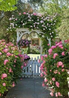 english garden oh how beautiful is this old English cottage garden with its white picket fence and trellis burgeoning with all things pink! White Garden Fence, Garden Gates, Garden Archway, Garden Entrance, Archway Decor, Courtyard Entry, Driveway Entrance, Box Garden, White Fence