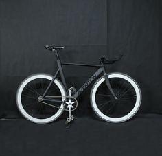 My fixed gear Aventon Mataro low, H+SON rims. #AVENTON #Mataro #Low #fixie #fixed gear #fixed #black
