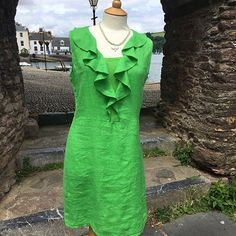 A beautiful sunny day today - so - a lovely linen dress to wear! #frill #linen #dress #style #shoppingtime #danielli #dartmouth #devon #swisbest #summervibes