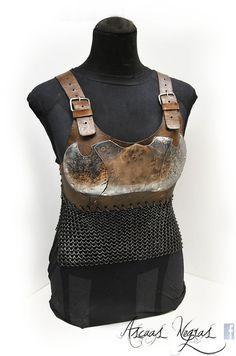 Stahl und Leder mit Kettenhemd BH. LARP Fantasie. von AscuasNegras