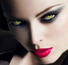 красивый макияж для ярко зеленых глаз