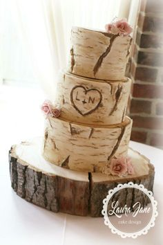 Tree Trunk Rustic wedding cake #DIYRusticWeddingprojects
