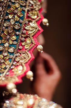 Lehenga gold zari zardozi indian weddings bride bridal wear www.weddingstoryz.com details India