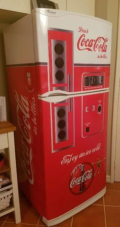 Funny Toilet Paper Holder, Toilet Paper Humor, Refrigerator Wraps, Fridge Stickers, Finding Nemo, Basement Ideas, Coke, Jukebox, Vintage Toys