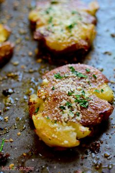 Red potatoes are boiled, then smashed, drizzled with olive oil and baked until crisp. I used white cheddar instead and no parsley, fabulous!!