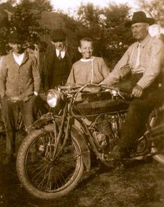 """""""Pa's Indian Motosickle"""""""