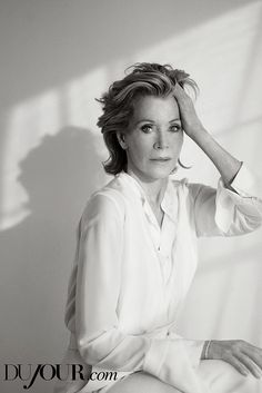 Congratulations to #Hollywood icon and #DuJour cover star #Janefonda on winning the Cecil B. DeMille Award at the 78th #GoldenGlobeAwards. #GoldenGlobes New Netflix, Netflix Series, Tom Hayden, Jane Fonda Workout, Actor Studio, Richard Branson, Old Love, Good Wife, Gwyneth Paltrow