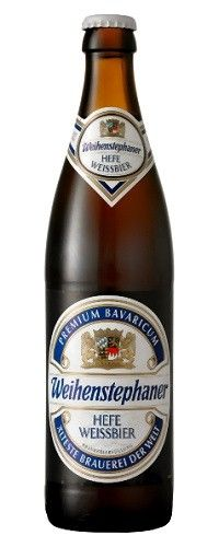 Cerveja Weihenstephaner Hefe Weissbier, estilo German Weizen, produzida por Bayerische Staatsbrauerei Weihenstephan, Alemanha. 5.4% ABV de álcool.