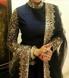 This ornate mirrored and embroidered black and gold piece is everything! From the high neck to the long sleeves and color combination, this piece just… – Hijab Fashion Pakistani Couture, Indian Couture, Pakistani Outfits, Indian Outfits, Indian Attire, Indian Wear, Bollywood Fashion, Hijab Fashion, Hijab Look