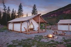 RV And Camping. Great Ideas To Think About Before Your Camping Trip. For many, camping provides a relaxing way to reconnect with the natural world. If camping is something that you want to do, then you need to have some idea Camping Glamping, Camping Hacks, Outdoor Camping, Boutique Camping, Lake Camping, Camping Outdoors, Vail Village, Wall Tent, Tent Awning