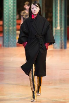 ooh kenzo diggin' the kimono shape. itchin' for it to be in a bold jewel color though. :)