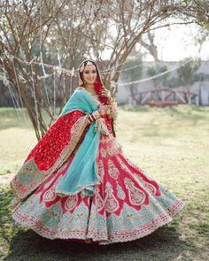 Bridal Lehenga Images, Indian Bridal Lehenga, Red Lehenga, Indian Bridal Outfits, Bridal Lehenga Choli, Bridal Dresses, Bollywood Lehenga, Bridal Looks, Bridal Style