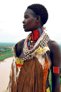 Africa | Karo tribe, living at the Omo river's western bank (Ethiopia) | © Frieda Ryckaert