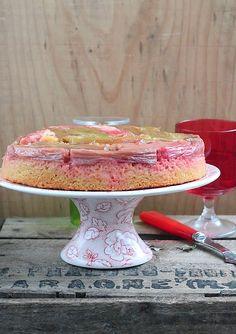 Délices d'Orient: gedreht Kuchen Rhabarber Polenta und Ingwer