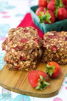 nutritious strawberry breakfast cookies (vegan and gluten free) Breakfast Bars, Breakfast Cookies, Breakfast Recipes, Vegan Breakfast, Brunch Recipes, Breakfast Ideas, Healthy Snacks, Healthy Eating, Healthy Recipes