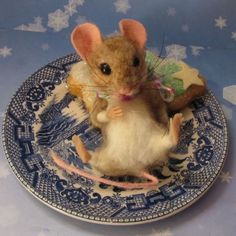 Needle-Felted-Christmas-Tree-Cookie-Fat-Mouse-by-Artist-Robin-Joy-Andreae