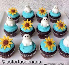 Frozen fever mini cupcakes Frozen Party Cake, Frozen Cupcakes, Frozen Birthday Theme, Themed Cupcakes, 3rd Birthday Parties, Party Cakes, Mini Cupcakes, Birthday Ideas, Anna Frozen