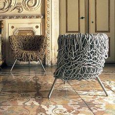 Cadeira Vermelha, projetada pelos Irmãos Campana para a Edra