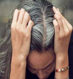 Grey Hair Treatment, Covering Gray Hair, Granny Look, Grey Hair Remedies, Premature Grey Hair, Color Your Hair, Hair Oil, White Hair, Short Hair Cuts