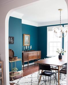 Bold teal dining room inspo ( submitted by Link in bio for more ways to use bl… – Home Decor&Remodel Dining Room Paint, Dining Room Blue, Dining Room Colors, Dining Room Design, Turquoise Dining Room, Teal Dining Chairs, Teal Rooms, Teal Walls, Bold Living Room