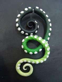 Falso Alargador Polvo Cor: Verde Feito em cerâmica plástica   Fazemos em outras cores! R$ 49,00  www.elo7.com.br/dixiearte