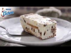 Tarta helada de leche condensada y kitkat - Postres La Lechera - YouTube Sweet Recipes, Cheesecake, Frozen, Pudding, Ice Cream, Cupcakes, Chocolate, Desserts, Food