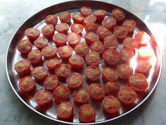 Экология потребления. Еда и рецепты: Вяленые помидоры. Вяленый перец. Маринованный сыр. Печеный чеснок.