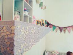 DIY : Personnalise ton étagère IKEA LACK   http://himalaya-express.blogspot.fr/2014/10/diy-personnalise-ton-etagere-ikea-lack.html  #diy #doityourself #ruban #étagèreikea #sweetbedroom #sweetdecoration