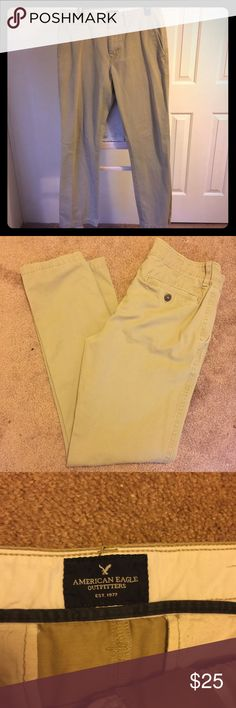 ⚜️ American Eagle men's khakis ⚜️ Barely worn and like new men's khakis. No pleats, stains, rips, or holes. The bottom of the pants are perfect! A great deal for someone who is a 32x36!!! American Eagle Outfitters Pants Chinos & Khakis