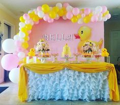 Ducky Baby Showers, Baby Shower Duck, Rubber Ducky Baby Shower, Baby Girl Shower Themes, Baby Shower Decorations, Rubber Duck Birthday, Rubber Ducky Party, 1st Birthday Girls, 1st Birthday Parties