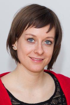 """Unsere Autorin Sarah Krobath erzählt von Engländern, Schweizern, Käse und sich selbsrt - in """"Who the f*** is Heidi?"""". Mehr Infos gibt es hier: http://www.dotbooks.de/profile/1009537/sarah-krobath"""