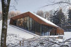 Dutch Mountain House by Denieuwegeneratie Architects