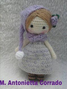Spiegazioni in italiano per fare bambolina amigurumi.
