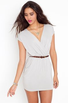 I love the Grecian look of this. Always fascinated w/ the toga look.