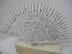 abanicos pintados a mano por una artista plastica. envios por cantidad desde Palma de Mallorca silvia.bregar@yahoo.com