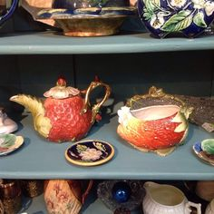 Strawberry Festival this weekend at Peddler's Village. Stop in and see what's new. #strawberry #teapot #royalbayreuth #peddlersvillage #wedding #newhopepa
