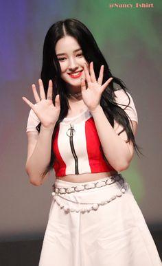 𝑹𝒀𝑶👚 (@Nancy_Tshirt) | Twitter Korean Beauty Girls, Beauty Full Girl, Korean Girl, Asian Beauty, Asian Girl, Nancy Momoland, Nancy Jewel Mcdonie, Beautiful Girl In India, Beautiful Girl Image
