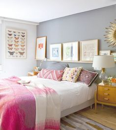 Check Out 37 Elegant Feminine Bedroom Design Ideas. Bright splashes of color, floral patterns, gold or silver covers, beautiful fluent silhouettes would make your bedroom feminine. Dream Bedroom, Home Bedroom, Bedroom Decor, Master Bedroom, Pretty Bedroom, Bedroom Photos, Blush Bedroom, Shabby Bedroom, Budget Bedroom
